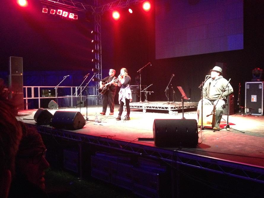 Glastonbudget Late Night Acoustic Tribute Music Festival