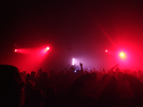 Glastonbudget silent new silent disco tribute music festival