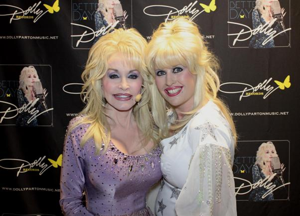 Sarah Jaynes Dolly Parton Experience Tribute Band Glastonbudget Tribute Band Music Festival pic1